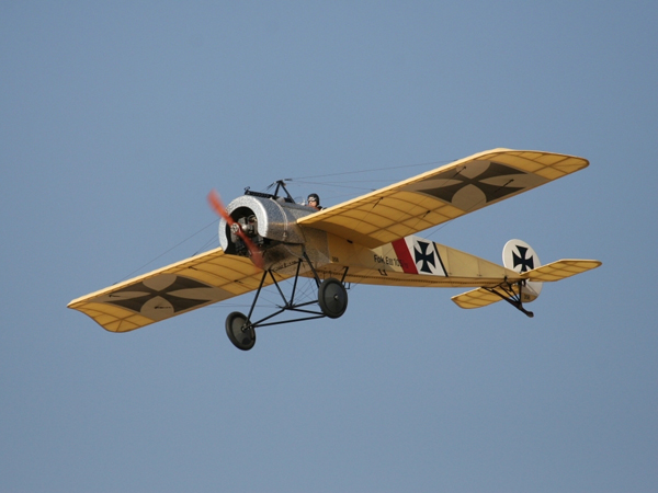 What Is The Difference Between a Monoplane And Biplane?