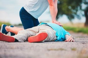 10 First Aid Rules For Injured People